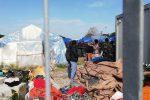 Incendio nella nuova tendopoli di San Ferdinando, morto un migrante