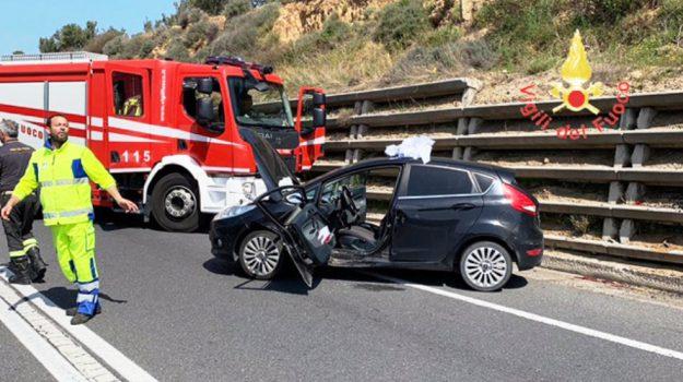incidente soverato, statale 106, Catanzaro, Calabria, Cronaca
