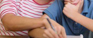 Prato, insegnante indagata per violenza sessuale: ha avuto un figlio dall'alunno 14enne