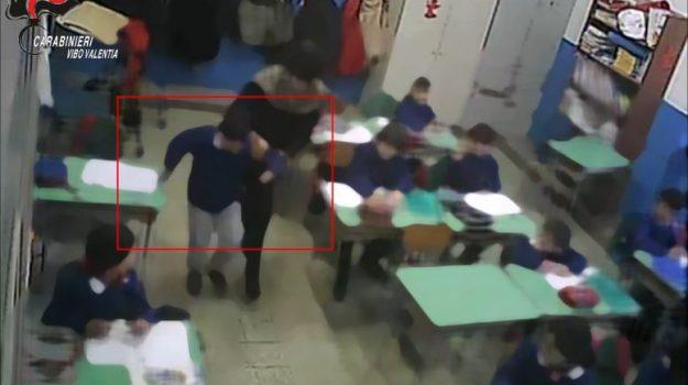 alunni maltrattati, obbligo di dimora, zungri, Antonio Marziale, Catanzaro, Calabria, Cronaca