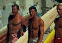 Morto Jan-Michael Vincent, era il surfista inquieto di «Un mercoledì da leoni» L'attore si è spento all'età di 74 anni. Aveva esordito nel 1973 con la Disney - Corriere Tv