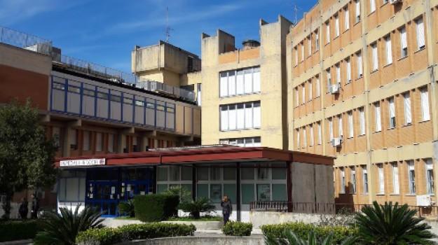 carenza di personale, ospedale di locri, procedure concorsuali, Nicola Simone, Reggio, Calabria, Cronaca