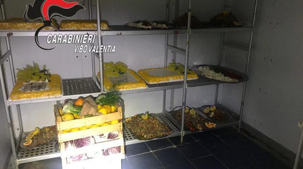 cibo tra escrementi, ristoratore denunciato pizzo, Catanzaro, Calabria, Cronaca