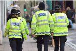 Paura a Londra, quattro persone accoltellate in strada: è caccia all'uomo