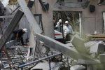 Tensione in Medio Oriente, razzo da Gaza colpisce una casa vicino Tel Aviv: 7 feriti