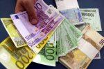 Uso dei contanti, il limite scende da 3 mila a 1.000 euro: le novità del decreto fiscale