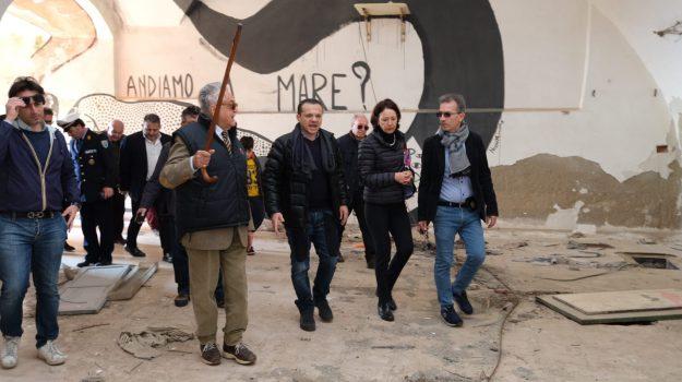 Degrado alla Falce, il Comune di Messina chiede la concessione: De Luca in ricognizione sul posto - Foto