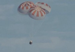 Space X, la capsula Dragon è rientrata a Terra L'ammaraggio al largo della Florida - LaPresse