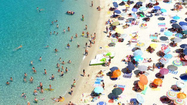 bandiera verde, calabria, sicilia, turismo, vacanze con bambini, Francesco Maragno, Italo Farnetani, Sicilia, Società
