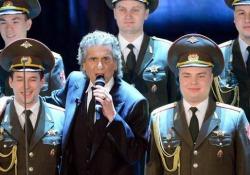 Toto Cutugno e l'Ucraina: «E pensare che il coro dell'Armata Rossa a Sanremo l'ho pagato io...» Il cantante racconta l'episodio a Gramellini e conferma il concerto in programma per il 23 marzo a Kiev - Corriere Tv