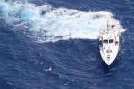 Migranti, intercettato barcone con 90 persone a bordo: approdati a Lampedusa