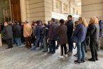 Folla al Teatro Cilea a Reggio per l'ultimo omaggio a Giacomo Battaglia