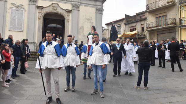 Pasqua, la fede incontra la piazza: a Sant'Onofrio è festa grande - Foto