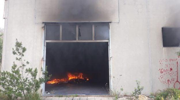 cetraro, ex Firrao, incendio, Cosenza, Calabria, Cronaca