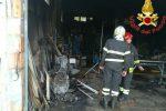 Incendio a Vibo, a fuoco un magazzino: messe in sicurezza alcune bombole