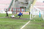 Il Messina ritrova la vittoria e ipoteca la salvezza: 2-1 alla Nocerina, Ferrante segna da 65 metri