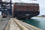 Porto di Gioia Tauro, arrivano i nuovi mezzi: le gru subito dopo l'estate