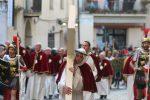 """Si rinnova la tradizione del Venerdì Santo a Catanzaro, emozioni con la """"Naca"""" - Foto"""
