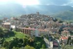 """Pettineo, urge un restyling: zona Croce e piazza Argentina le più """"pericolanti"""""""