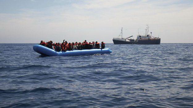 lampedusa, migranti, sea eye, Matteo Salvini, Sicilia, Cronaca