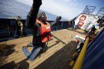 I migranti della Sea Eye verso Malta, esposto dell'ong Mediterranea contro il governo