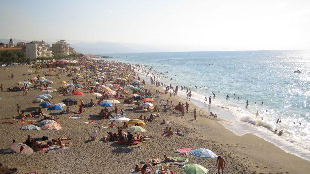 stagione balneare, Sicilia, Economia