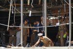 Otto esplosioni devastano lo Sri Lanka: Pasqua di sangue con oltre 200 morti