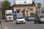 Porto di Tremestieri insabbiato e tir dentro Messina: ecco le foto