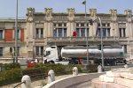 Porto di Tremestieri di nuovo insabbiato e chiuso, i tir tornano a invadere Messina