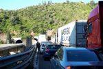 Messina-Catania, incidente all'ingresso della galleria Scaletta: traffico paralizzato