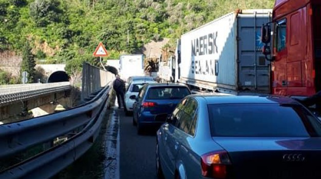 a18, autostrada messina-catania, galleria scaletta, incidente, Messina, Sicilia, Cronaca
