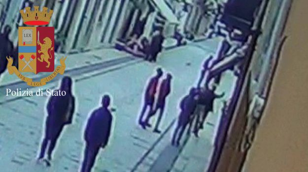 aggressioni, branco, indagini, omofobia, vittoria, Igor Marco Garofalo, Sicilia, Cronaca
