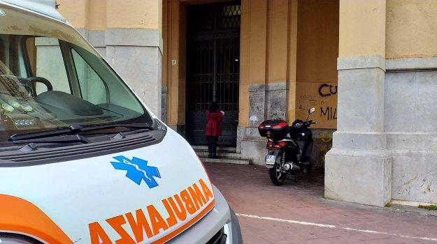 55enne morto, comune di messina, malore, Messina, Sicilia, Cronaca