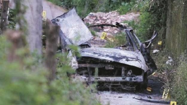 5 indagati, autobomba, limbadi, Catanzaro, Calabria, Cronaca
