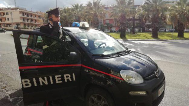 domiciliari, librizzi, uomo spara colpo in aria, Messina, Sicilia, Cronaca