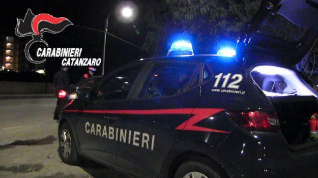 arrestati due giovani, catanzaro, furto centro scommesse, Catanzaro, Calabria, Cronaca