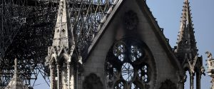 Notre-Dame non era assicurata, le spese dell'incendio a carico Stato