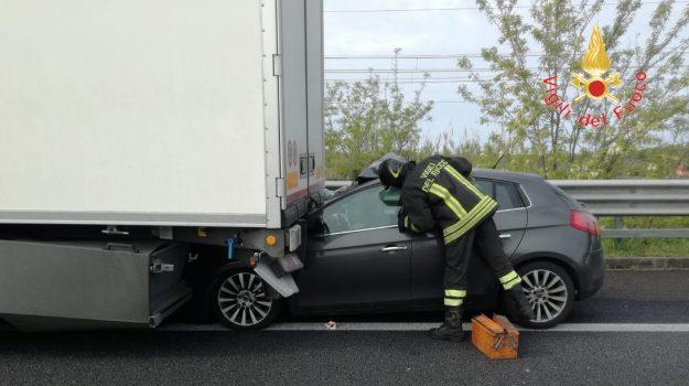 a2 autostrada, incidenti, Catanzaro, Calabria, Cronaca