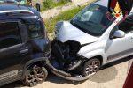 Carambola su due auto in sosta a Sellia Marina, un ferito