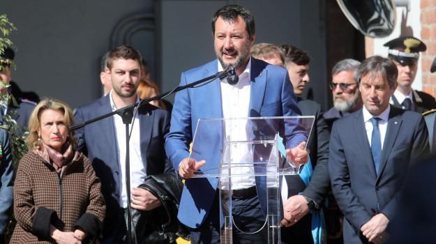 migranti, salvini indagato, sea watch, sequestro di persona, Carmelo Zuccaro, Matteo Salvini, Sicilia, Cronaca