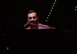 Mengoni, debutto sold out a Torino dell'Atlantico Tour I momenti più emozionanti dello show al Pala Alpitour - LaPresse