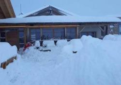 Oltre un metro di neve in Alto Adige Forte nevicata la notte scorsa in provincia di Bolzano. Chiusi i passi dolomitici - CorriereTV