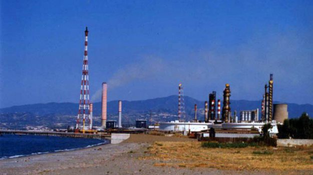 raffineria milazzo, Giovanni Formica, Nello Musumeci, Messina, Sicilia, Cronaca
