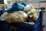 Caos rifiuti ad Acri, dopo due settimane rientra l'emergenza