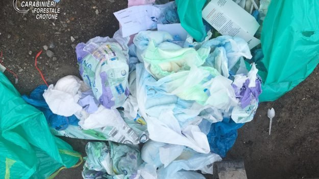 conferimenti, discarica di Crotone, emergenza rifiuti, rifiuti a Reggio, Reggio, Calabria, Cronaca