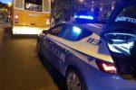 Movida a Messina, si rifiuta di dare le generalità e aggredisce gli agenti: arrestato