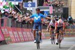 Giro d'Italia, a Frascati vince Carapaz: Nibali cade e perde 18 secondi dalla maglia rosa