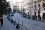 Slalom tra vasi e pali su corso Mazzini, i commercianti di Catanzaro chiedono interventi