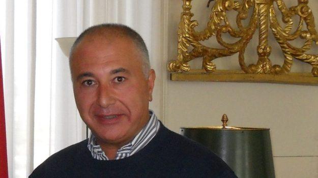 abusi minori, catania, Domenico Rotella, Orazio Caputo, Piero Alfio Capuana, Sicilia, Cronaca