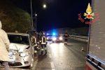 Auto carambola sui mezzi in sosta a Catanzaro, ferito il conducente - Foto